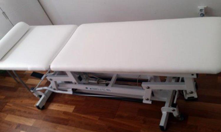Mobiliers et équipements professionnels à Toulousetable de soin ostéopathe
