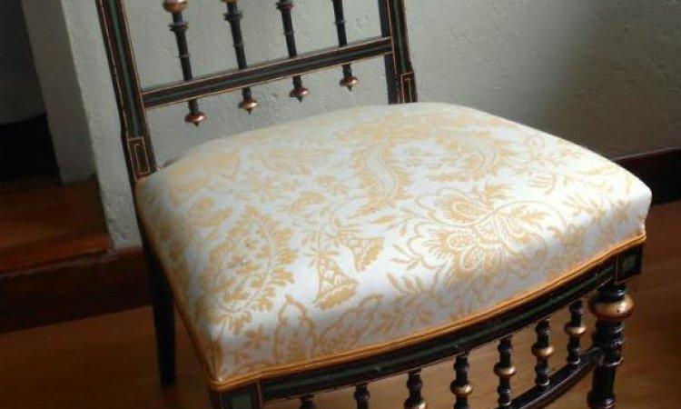 Catherine: chauffeuse Napoléon III après loisir créatif en tapisserie d'ameublement Toulouse