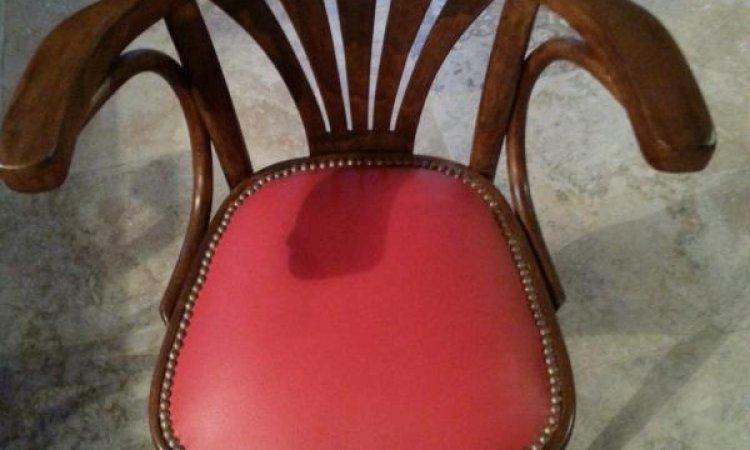 Sandrine: chaise de bistrot après loisir créatif en tapisserie d'ameublement Toulouse