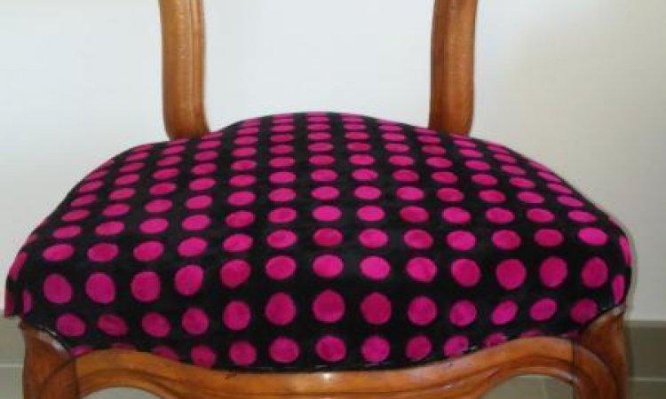 Violette: chaise Louis Philippe après loisir créatif en tapisserie d'ameublement Toulouse