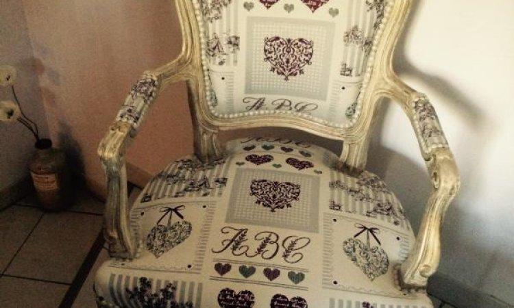 Alexia: fauteuil Louis XV après loisir créatif en tapisserie d'ameublement Toulouse
